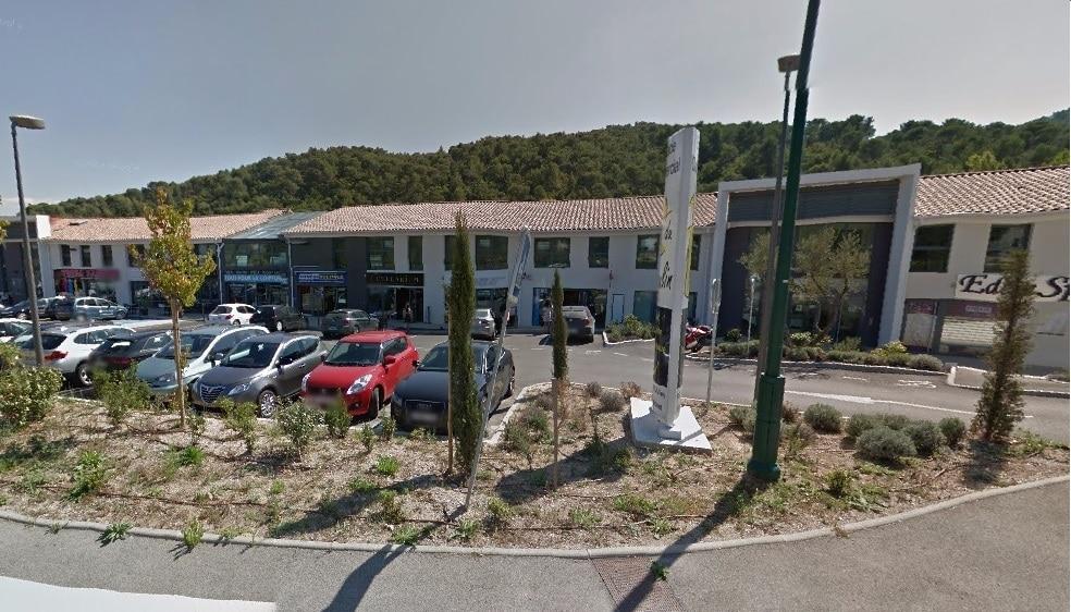 Vente local commercial loué  176m² Espace du Moulin Le Tholonet 13